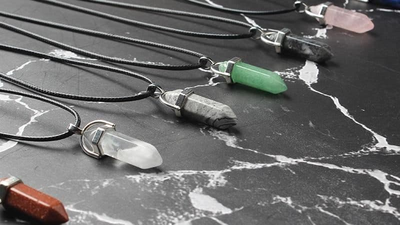 NATURAL CRYSTAL PENDANTS – CLASSIC LOOK